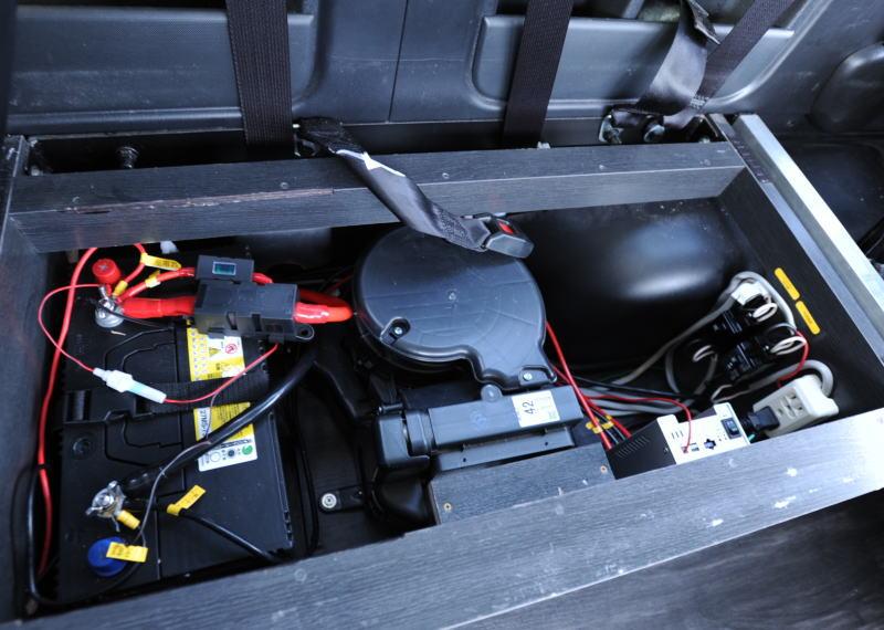 電装品を安全に取付 ー インバーター・バッテリー・アイソレーター