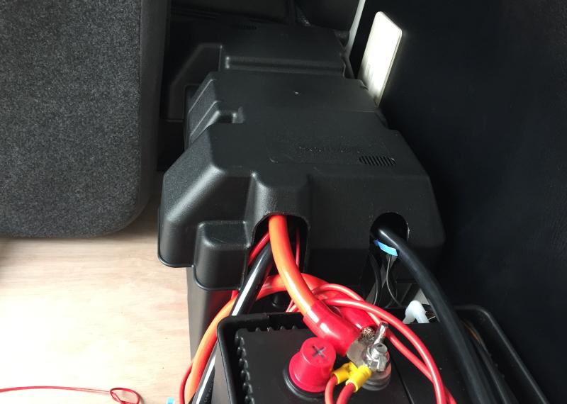 バッテリーBOXを加工